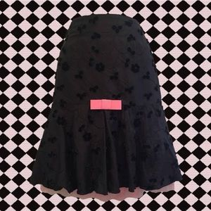 Dresses & Skirts - super cute black skirt with pink bow + crinoline